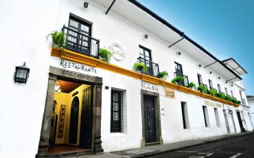 Fachada del Hotel Camino Real