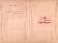 Espacio dedicado a autógrafos en el menú ofrecido por el Hotel Lindbergh